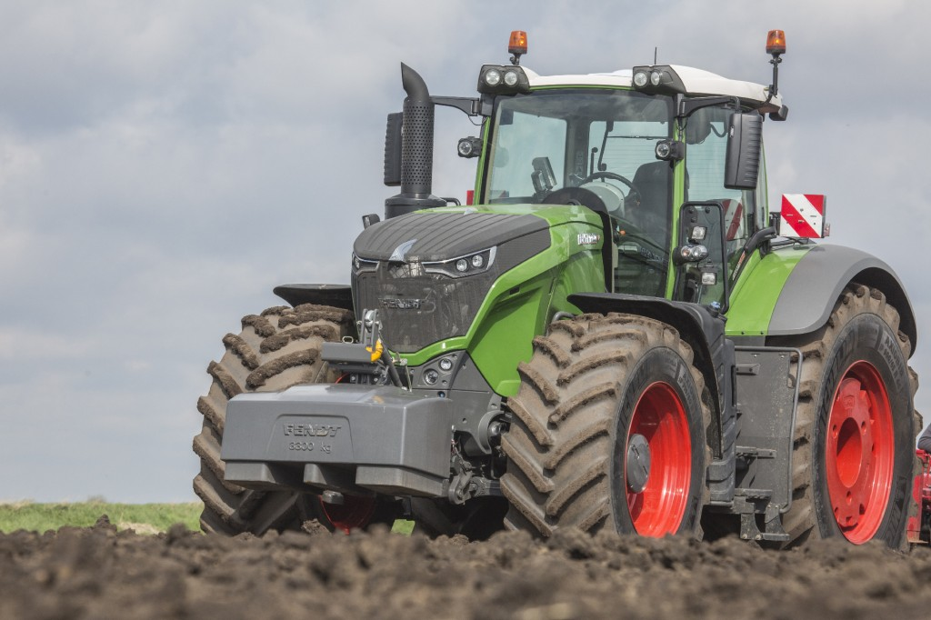 Fendt-1050-tractor